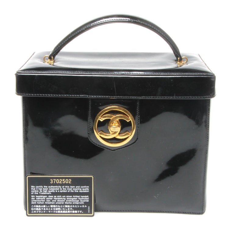 eb585583a1d Chanel makeup case patent black leather, with internal mirror