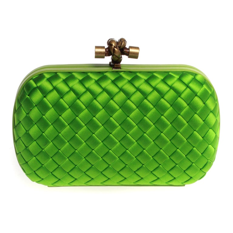 e8ea7f44001d Bottega Veneta knot clutch in apple green For Sale at 1stdibs