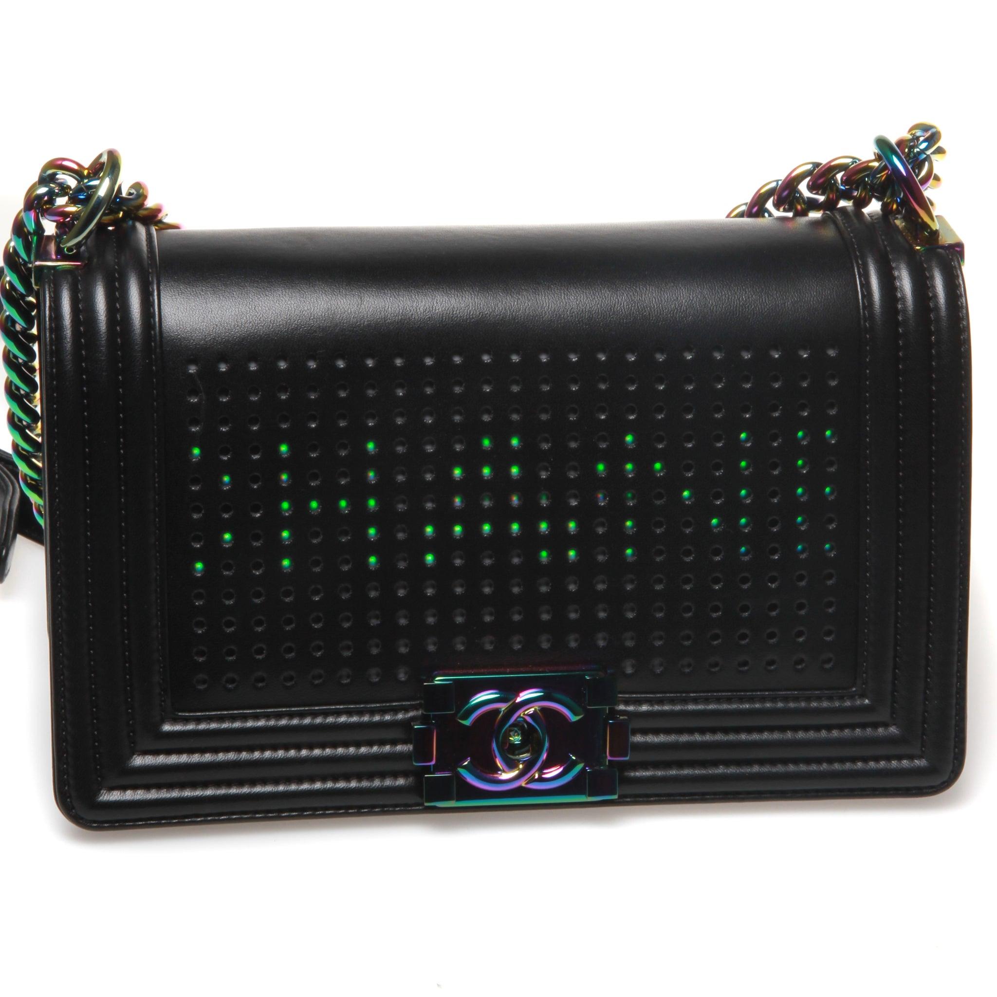 a8c84b90abb0 Chanel Led Old Medium Boy Chanel 2.0 Flap Bag For Sale at 1stdibs