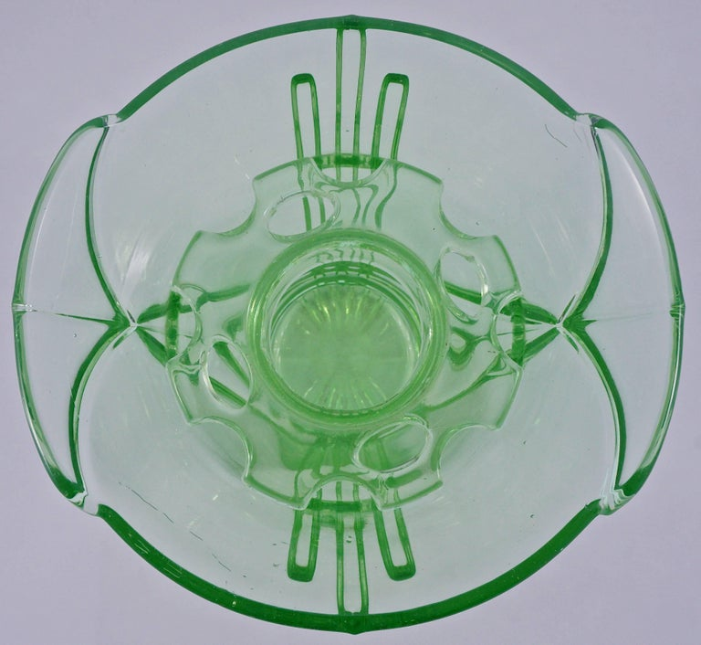 Green Art Deco Pressed Glass Vase with Frog, 1930s  For Sale 4