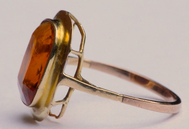 Vintage 1950s 18ct Gold and Citrine Ring In Good Condition For Sale In London, GB