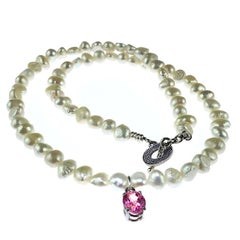 Gemjunky White Pearl Choker Necklace with Pink Spinel