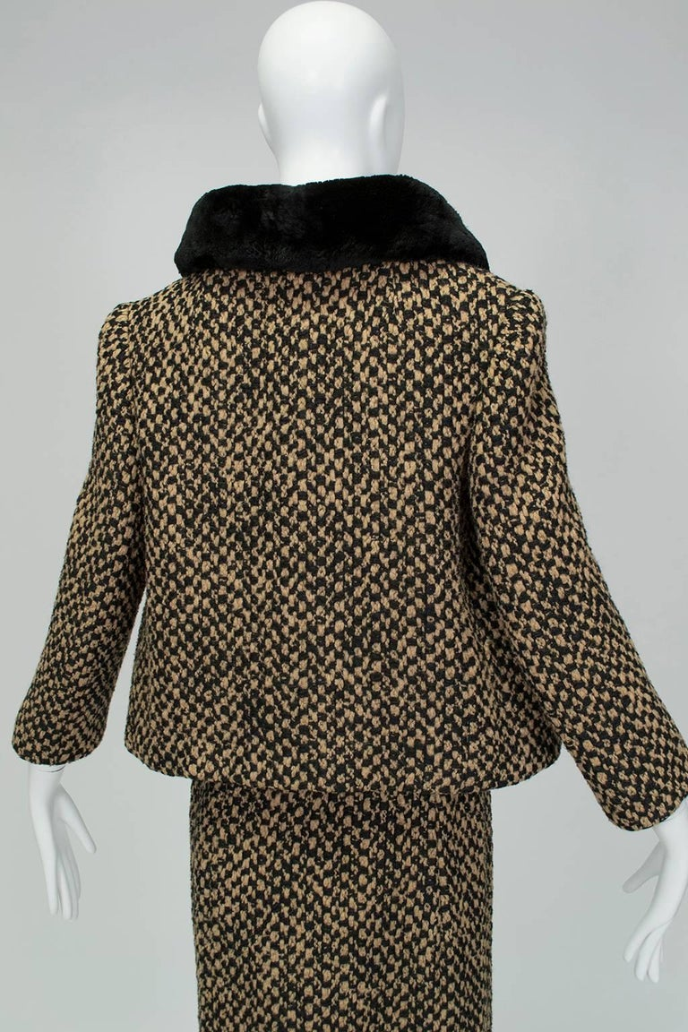 Sheared Mink Trim A-Line Suit with Stand-Away Collar, 1960s In Excellent Condition For Sale In Phoenix, AZ