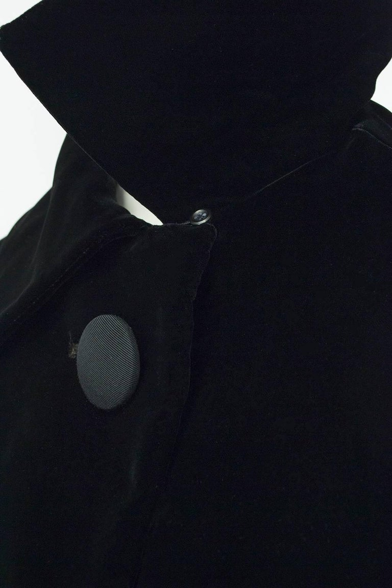 Black Velvet and Faille Stripe Raglan Oversized Opera Coat, 1960s For Sale 3