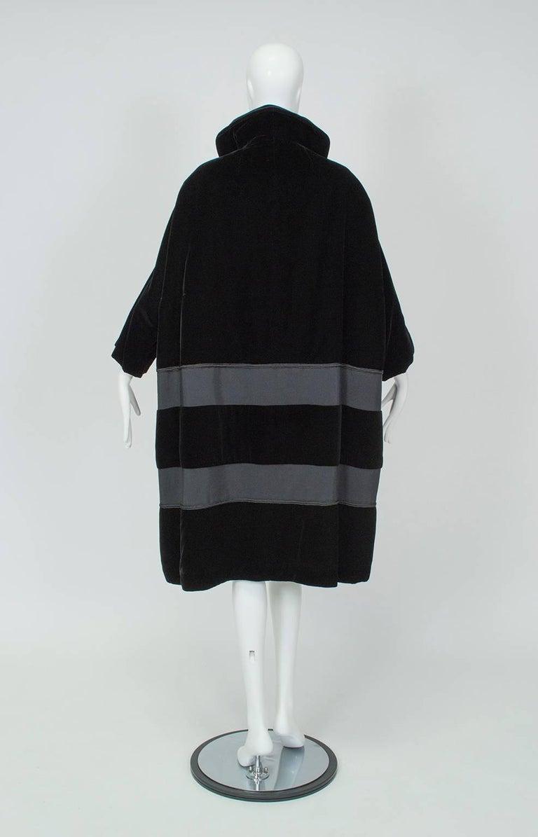 Black Velvet and Faille Stripe Raglan Oversized Opera Coat, 1960s In Good Condition For Sale In Tucson, AZ