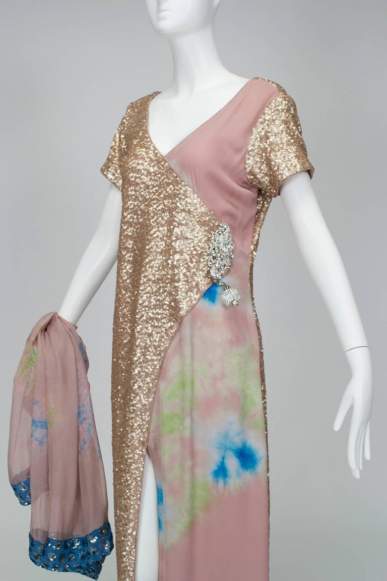 Gold Sequin Tie Dye Silk Sari with Pavé Crystal Hip Brooch and Sash - M-L, 1960s In Good Condition For Sale In Tucson, AZ