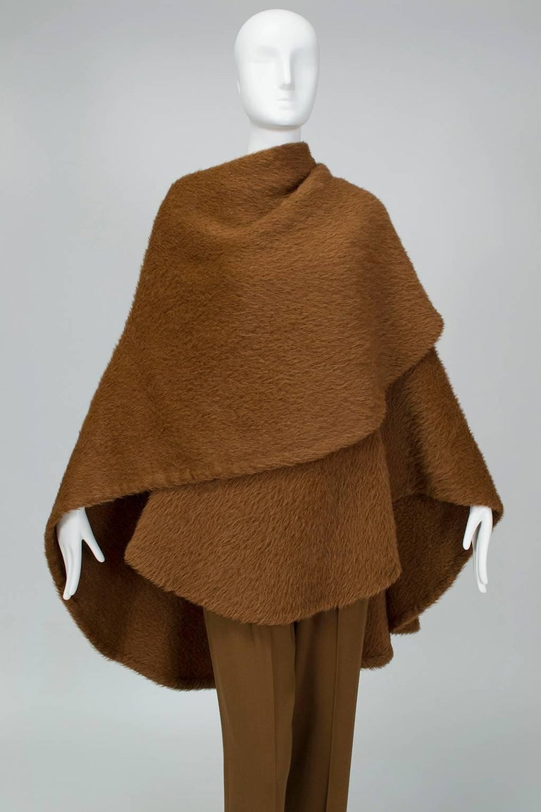 Donna Karan Copper Teddy Bear Alpaca Cape and High Waist Trouser Set- S-M, 1990s In Excellent Condition For Sale In Tucson, AZ