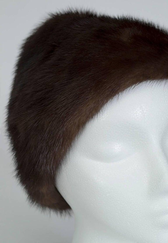 Brown-Black Mink Peak Turban Hat - I Magnin, 1960s In Excellent Condition For Sale In Phoenix, AZ