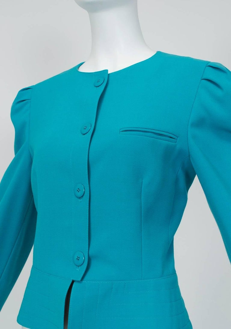 Louis Féraud Teal Trapunto Peplum Suit with Provenance - US 8, 1980s In Excellent Condition For Sale In Phoenix, AZ