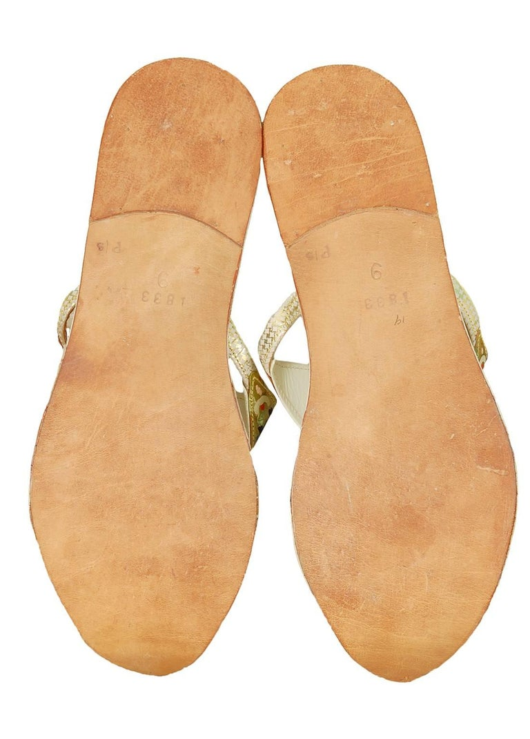 Beige Unworn Hand-Painted Persian Toe Flat Thong Sandals - US 9, 1950s For Sale