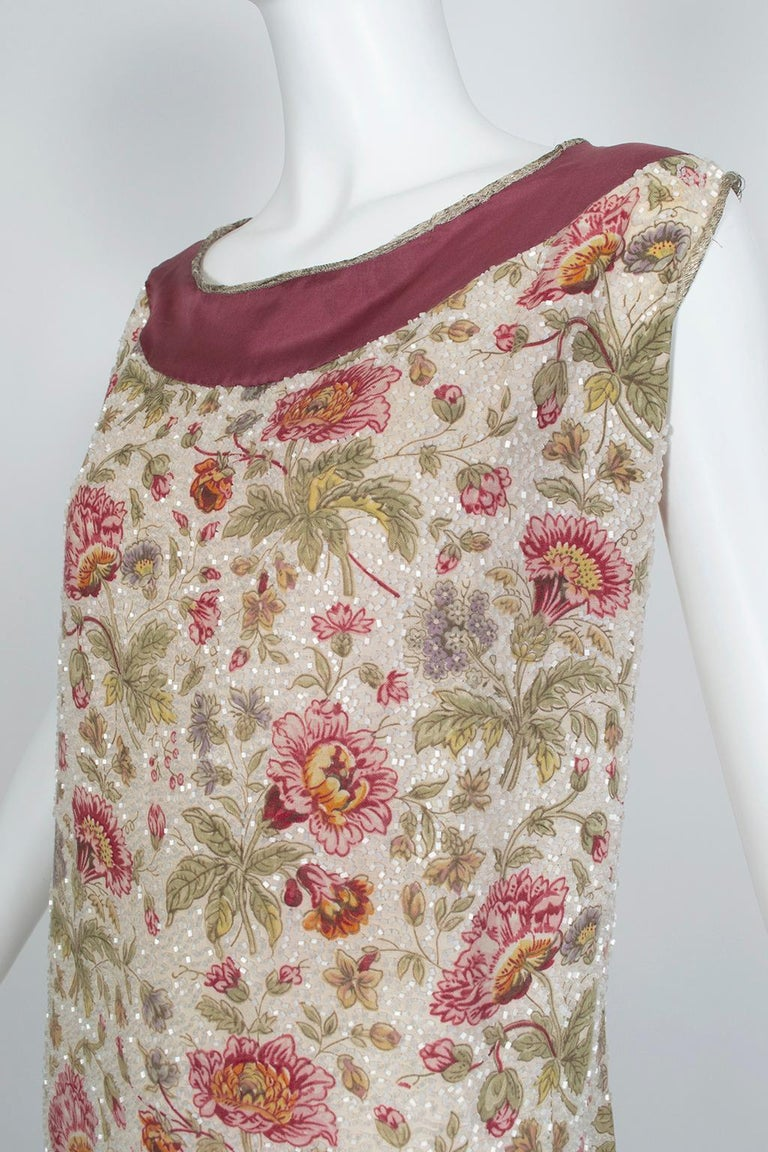 Glass Bead Floral Sack Dress with Gold Brocade Piping, 1920s In Good Condition For Sale In Phoenix, AZ