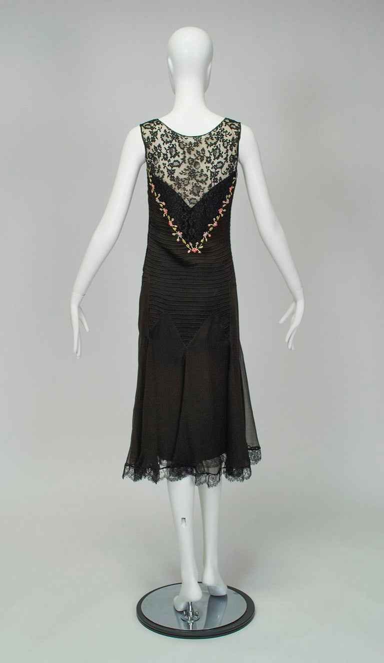 Sleeveless Chiffon Trumpet Dress with Embroidered Illusion Bodice, 1920s In Good Condition For Sale In Phoenix, AZ