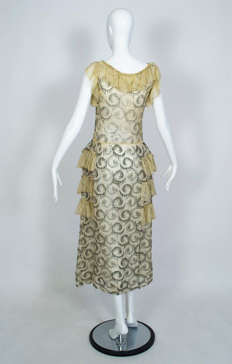 Edwardian Chiffon Robe de Style with Scrolling Embroidery, 1910s In Good Condition For Sale In Phoenix, AZ