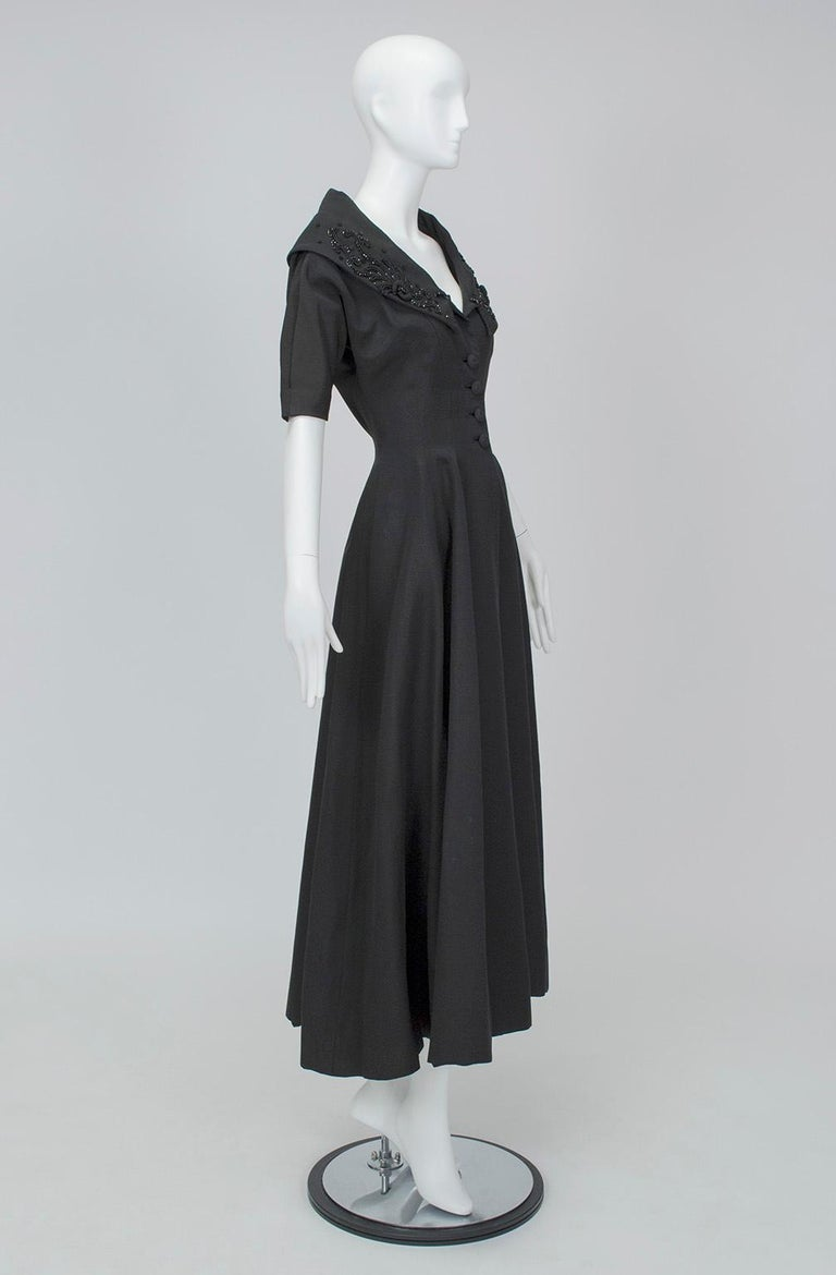 New Look Black Heavyweight Faille Beaded Portrait Collar Coat Dress - S, 1950s In Good Condition For Sale In Tucson, AZ