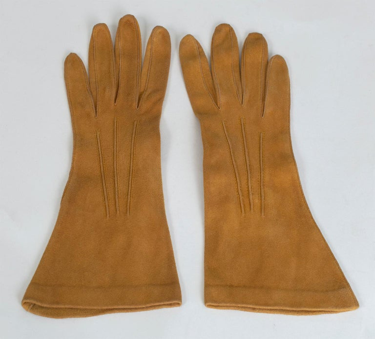 Brown Saddle Suede Three-Point Flared Gauntlet – France, 1960s For Sale