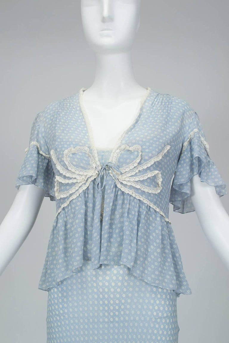 Gray Powder Blue Printed Chiffon Regency Peignoir Dressing Gown, Italy - S-M, 1930s For Sale