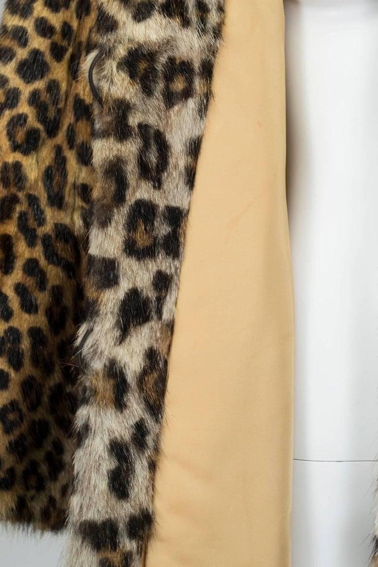 Genuine Leopard-Stenciled Mink Fur A-Line Stroller Coat - S-M, 1960s For Sale 1