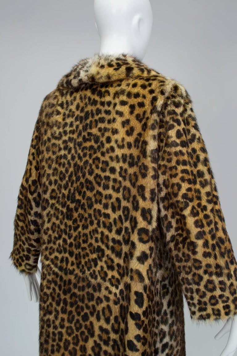 Genuine Leopard-Stenciled Mink Fur A-Line Stroller Coat - S-M, 1960s In Good Condition For Sale In Tucson, AZ