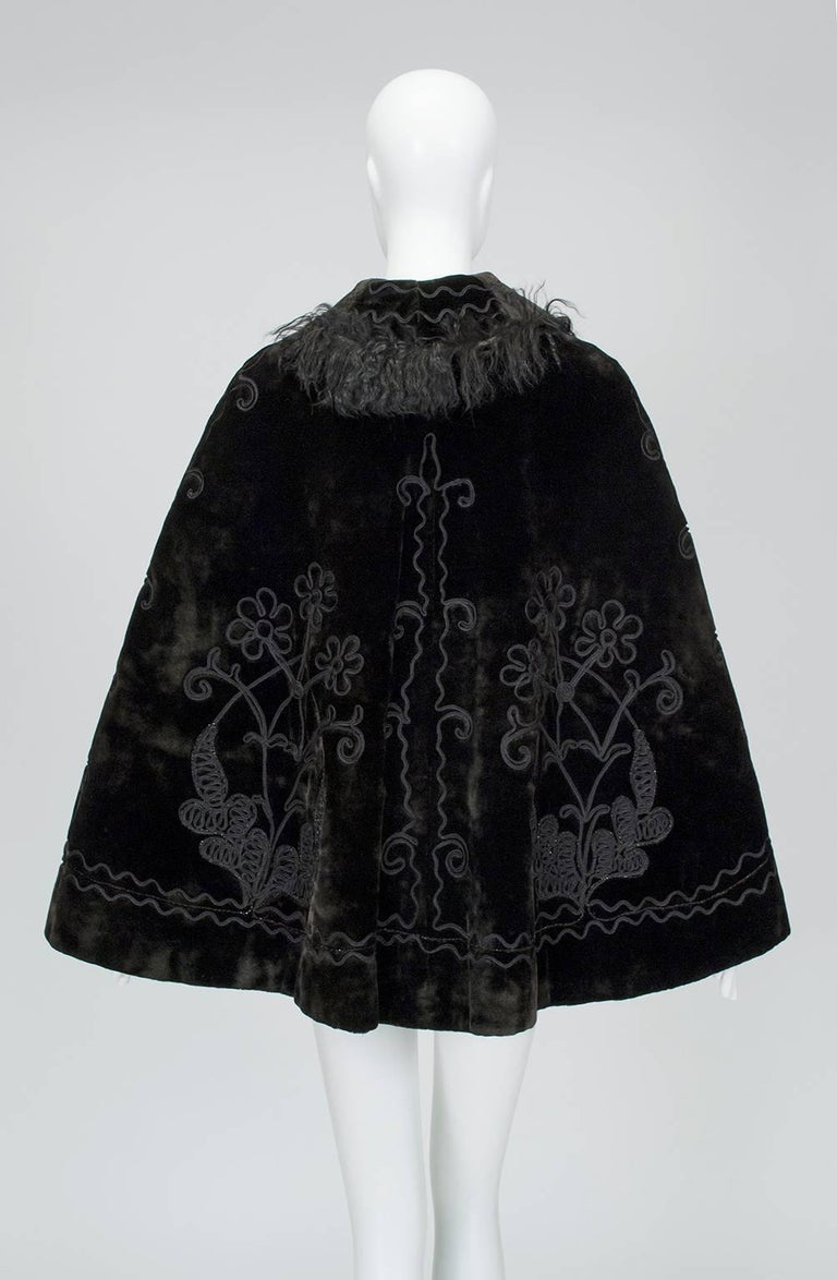 Black Victorian Brown Mohair and Mongolian Lamb Beaded Shoulder Cape - One Size, 1890s For Sale