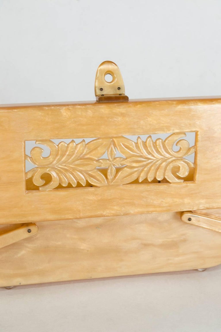 Pearlized Champagne Lucite Handbag with Pierced Relief Lid, 1950s  7