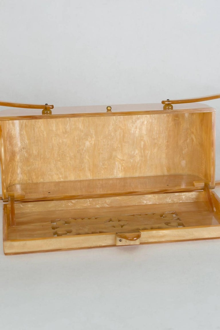 Pearlized Champagne Lucite Handbag with Pierced Relief Lid, 1950s  6