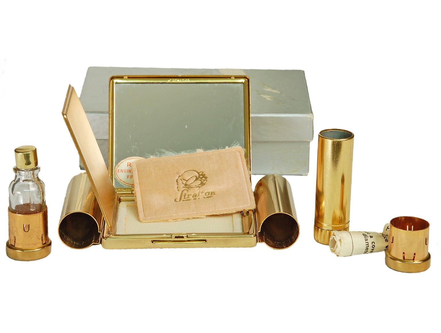 1stdibs Stratton Necessaire Compact D'or Avec Parfum De Rouge À Lèvres Et Des Puits De Poudre, 1950