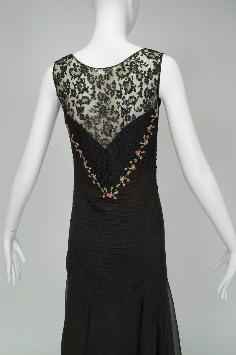 Sleeveless Chiffon Trumpet Dress with Embroidered Illusion Bodice, 1920s For Sale 3