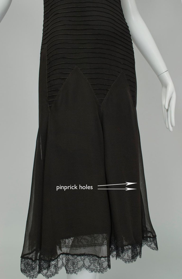 Sleeveless Chiffon Trumpet Dress with Embroidered Illusion Bodice, 1920s For Sale 8