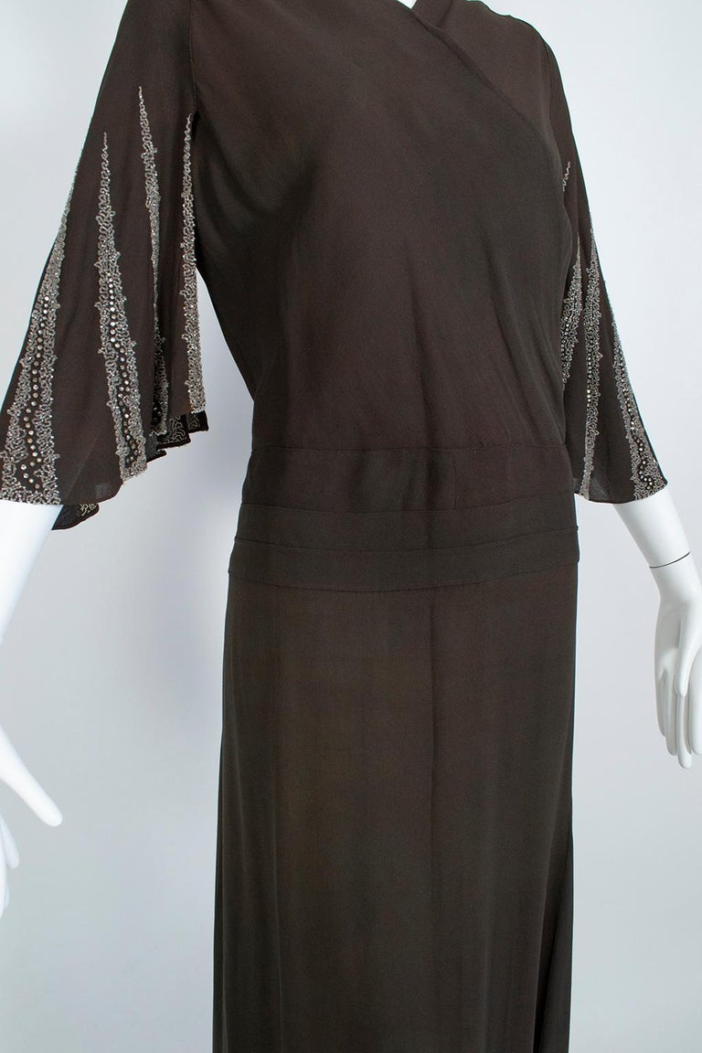 Brown Regency Silk Crêpe Kimono Gown with Crystal Batwing Sleeves - Med, 1930s In Good Condition For Sale In Tucson, AZ