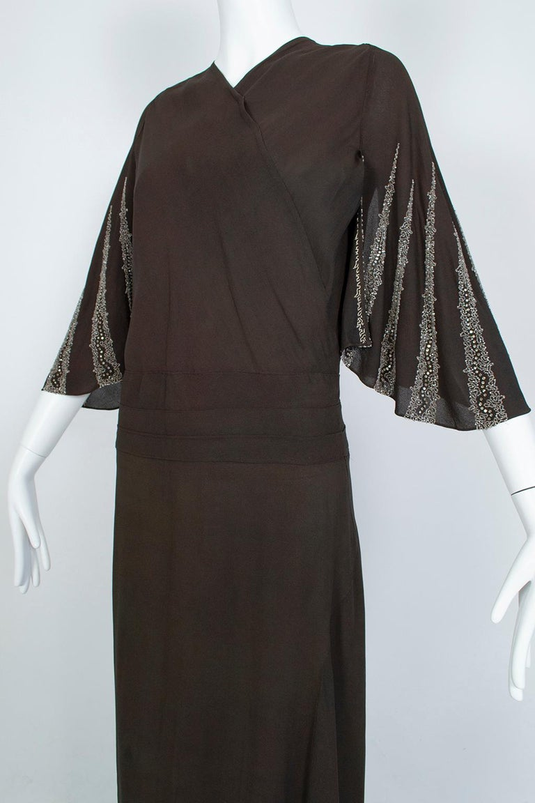 Women's Brown Regency Silk Crêpe Kimono Gown with Crystal Batwing Sleeves - Med, 1930s For Sale