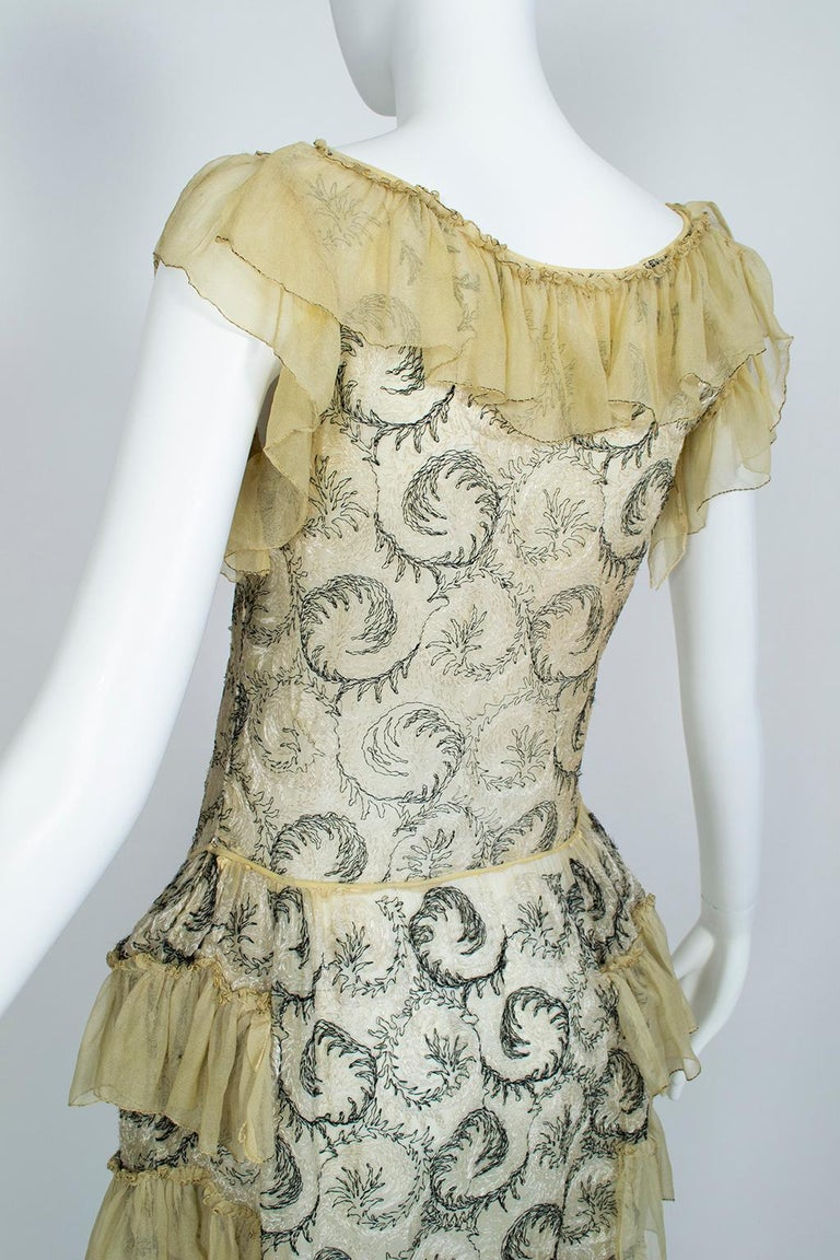 Edwardian Chiffon Robe de Style with Scrolling Embroidery, 1910s For Sale 1