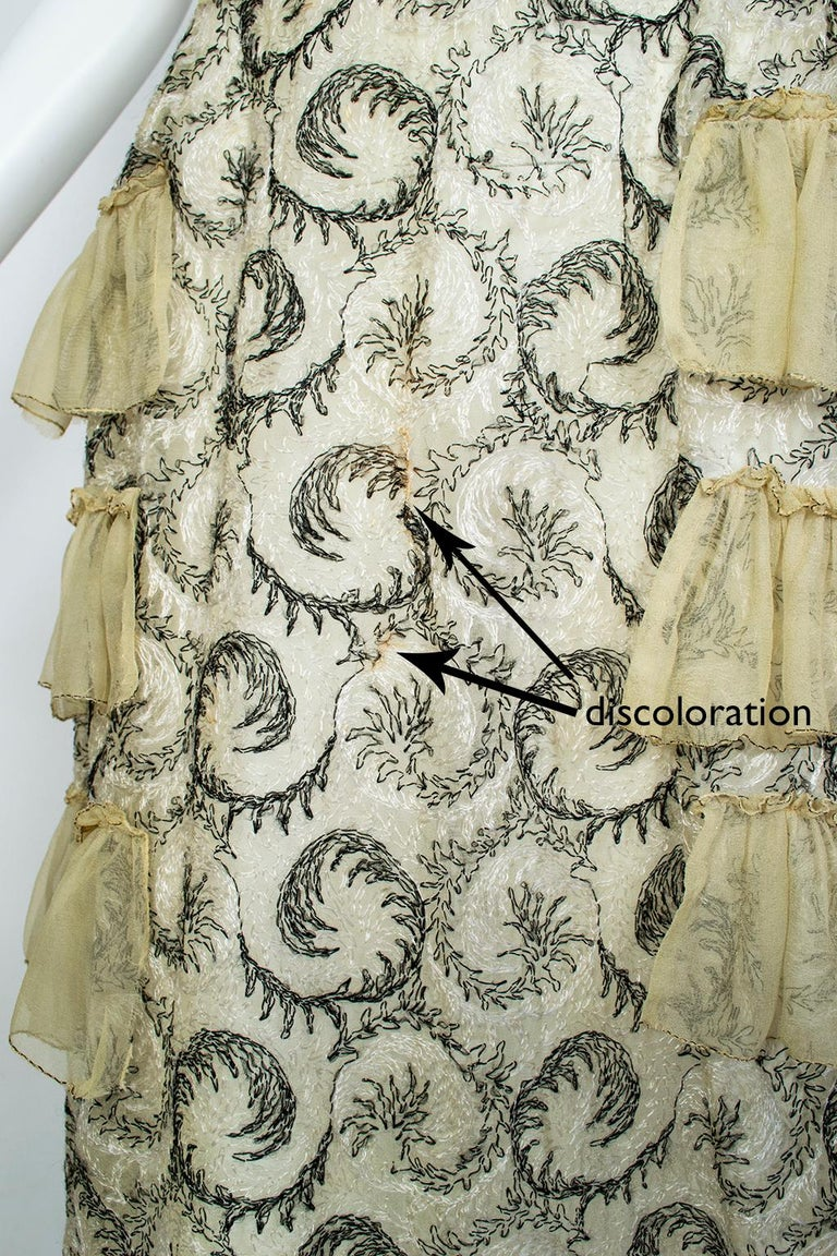 Edwardian Chiffon Robe de Style with Scrolling Embroidery, 1910s For Sale 9