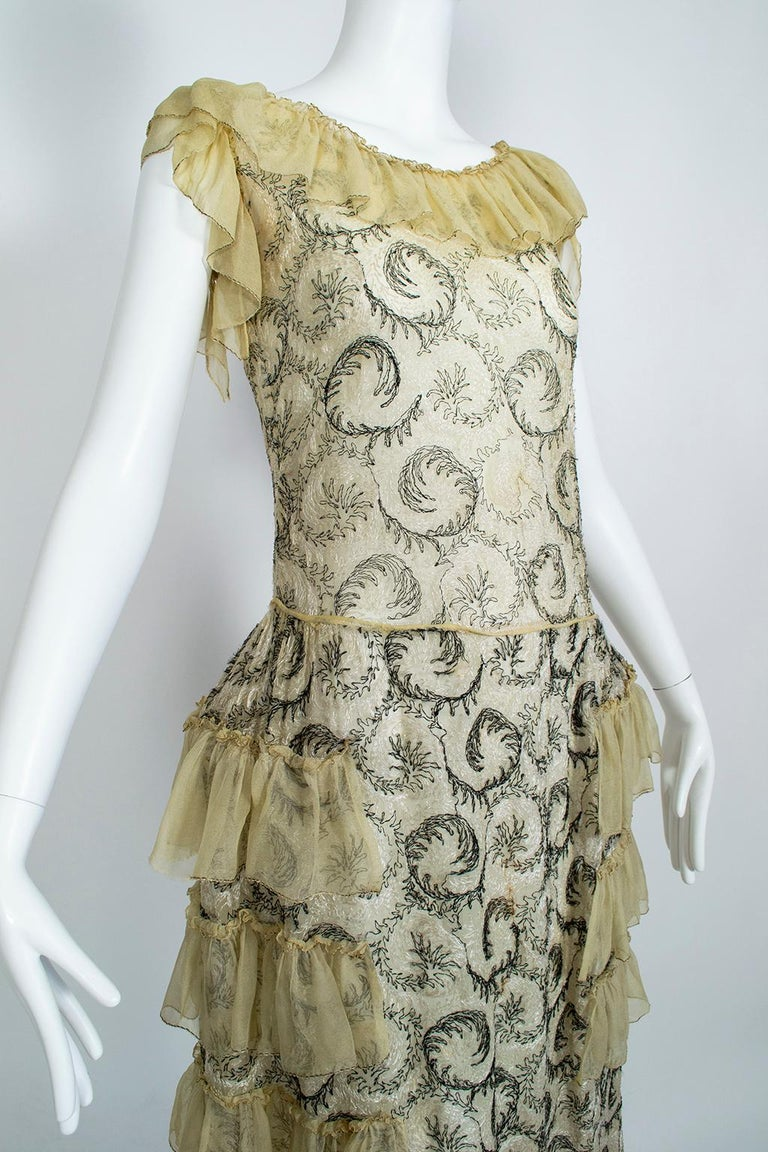 Women's Edwardian Chiffon Robe de Style with Scrolling Embroidery, 1910s For Sale