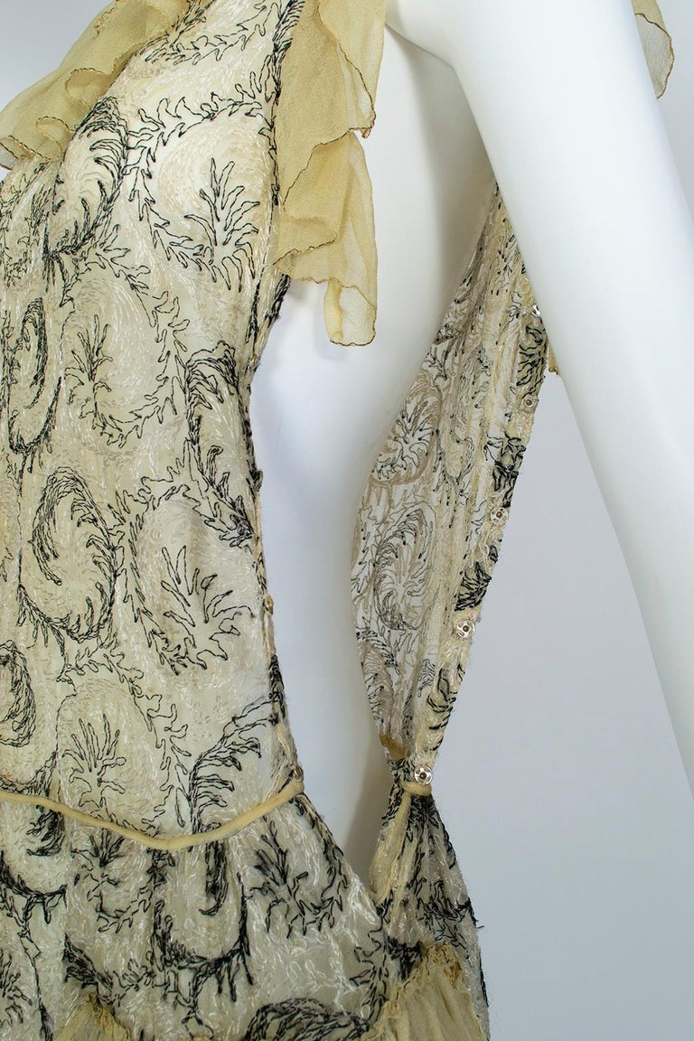 Edwardian Chiffon Robe de Style with Scrolling Embroidery, 1910s For Sale 8