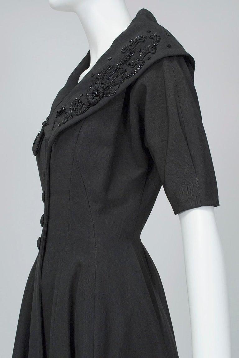 New Look Black Heavyweight Faille Beaded Portrait Collar Coat Dress - S, 1950s For Sale 2