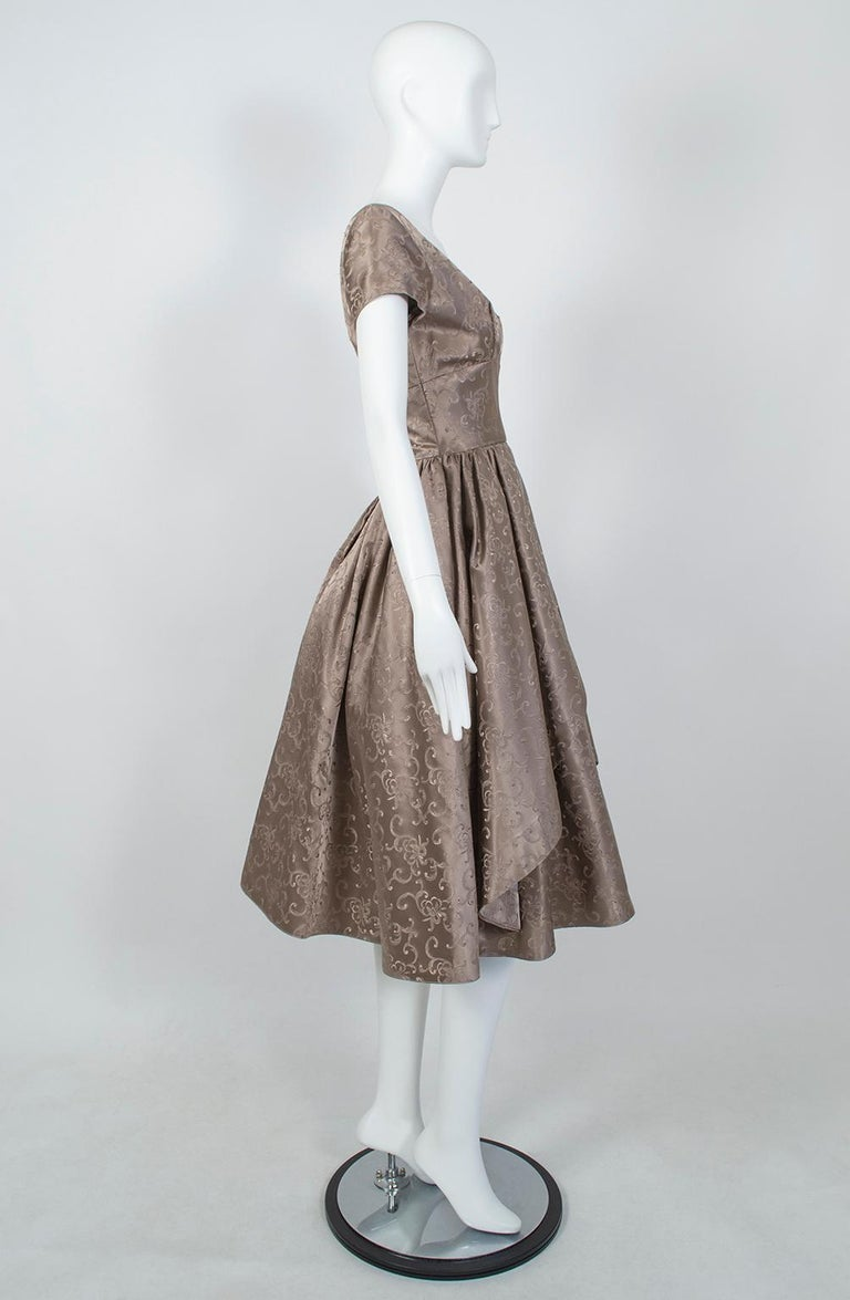 Gray Off-Shoulder Cutaway Front Jacquard Party Dress, 1950s For Sale