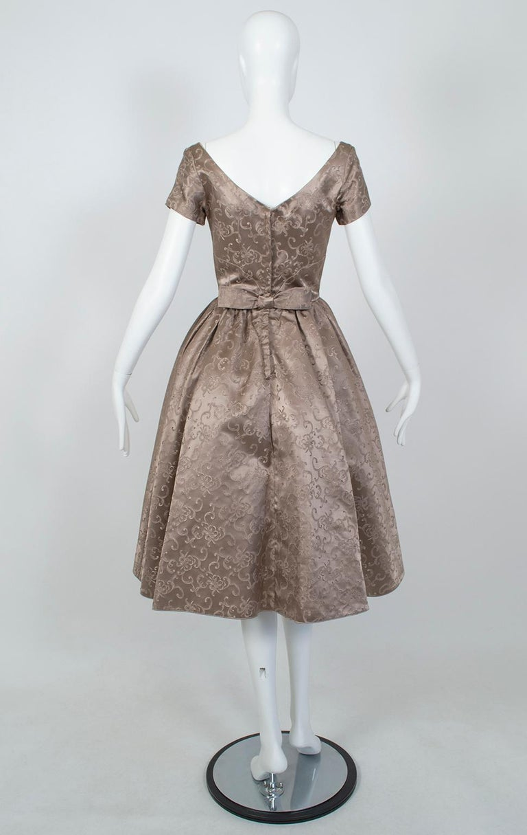 Off-Shoulder Cutaway Front Jacquard Party Dress, 1950s In Excellent Condition For Sale In Phoenix, AZ