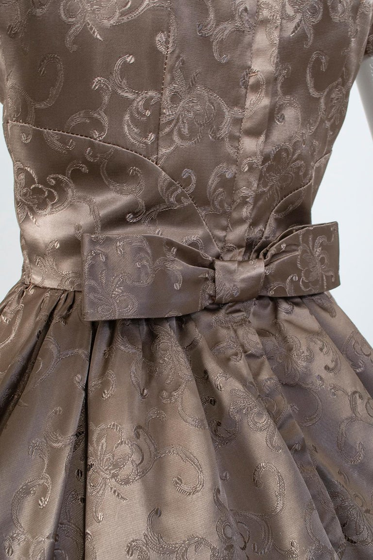 Off-Shoulder Cutaway Front Jacquard Party Dress, 1950s For Sale 4