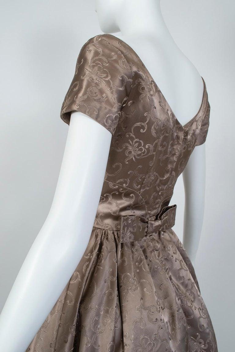 Off-Shoulder Cutaway Front Jacquard Party Dress, 1950s For Sale 2