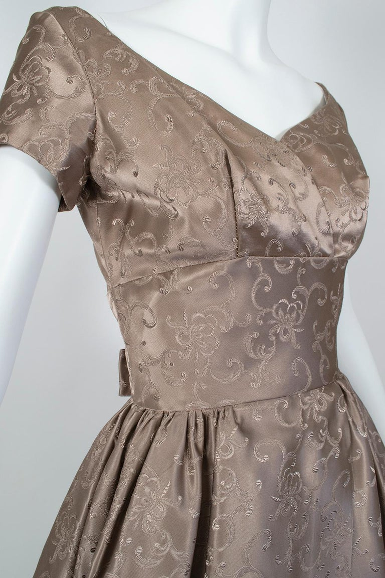Women's Off-Shoulder Cutaway Front Jacquard Party Dress, 1950s For Sale