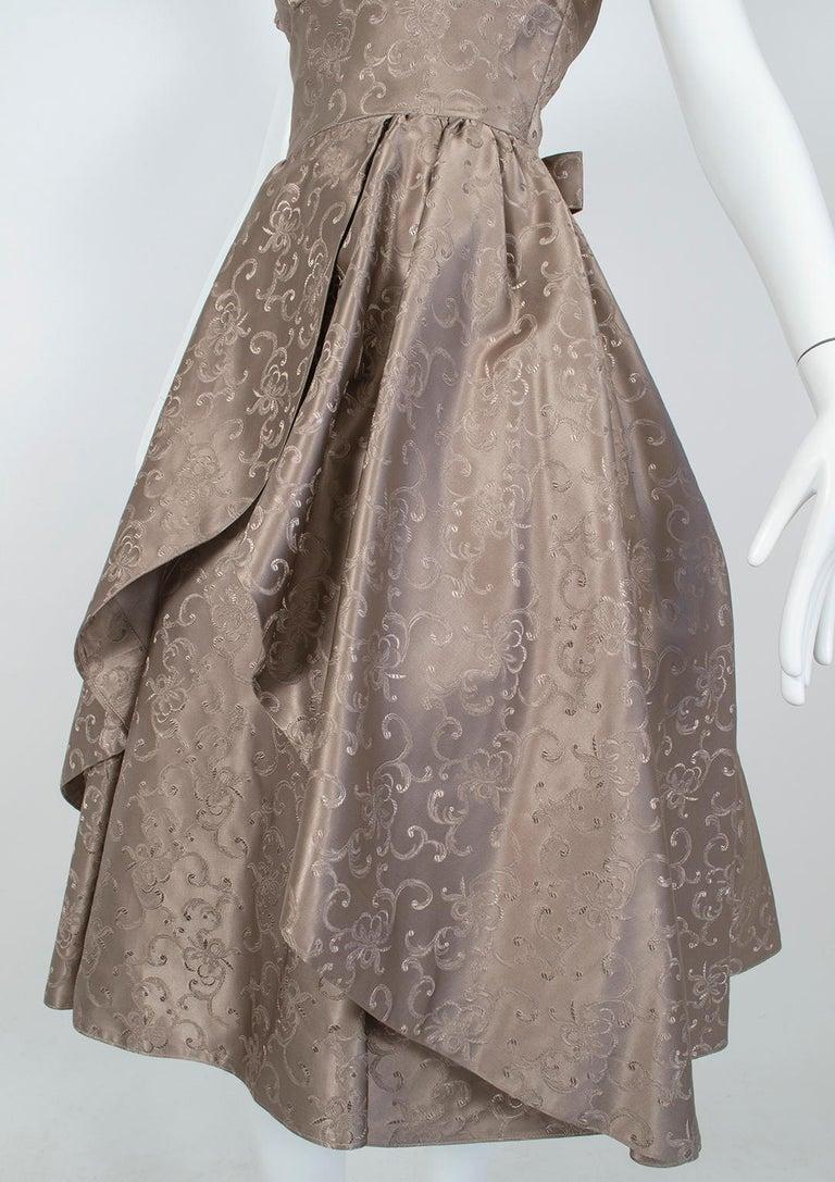 Off-Shoulder Cutaway Front Jacquard Party Dress, 1950s For Sale 5