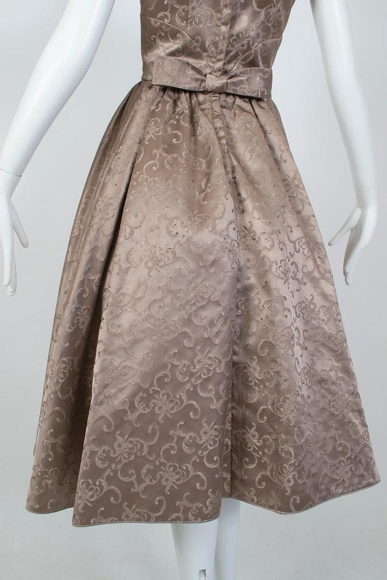 Off-Shoulder Cutaway Front Jacquard Party Dress, 1950s For Sale 6