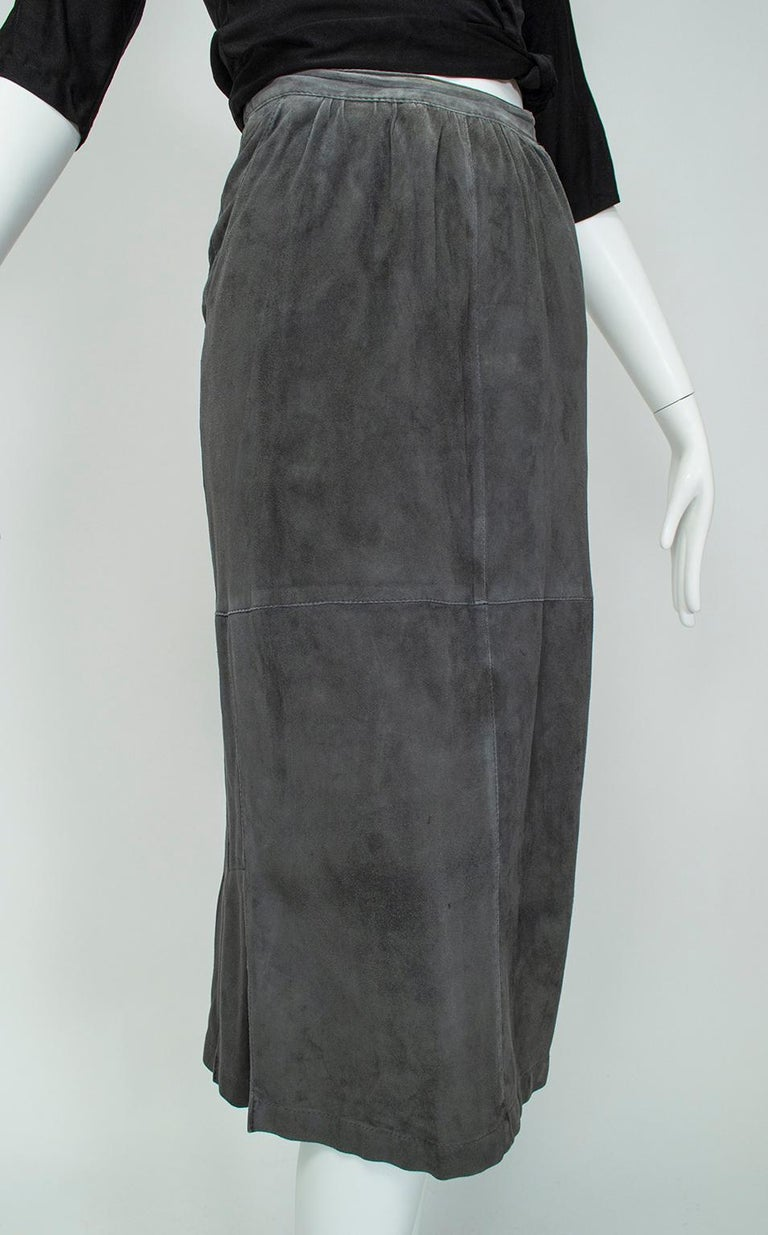 Gianfranco Ferré Charcoal Suede Trumpet Skirt, 1980s In Good Condition For Sale In Phoenix, AZ
