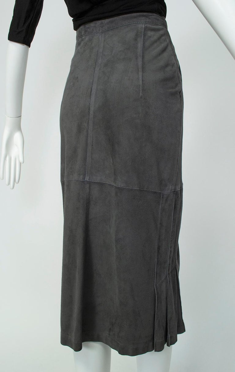 Gianfranco Ferré Charcoal Suede Trumpet Skirt, 1980s For Sale 2