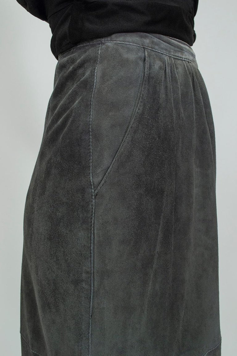 Gianfranco Ferré Charcoal Suede Trumpet Skirt, 1980s For Sale 1