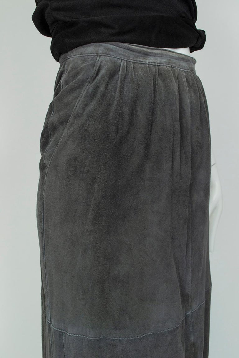 Women's Gianfranco Ferré Charcoal Suede Trumpet Skirt, 1980s For Sale