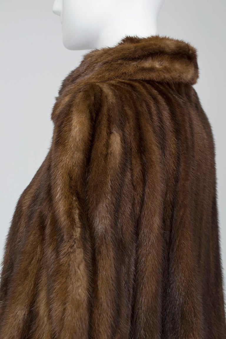 Mink Hollywood Regency Swing Coat with Art Deco Cuffs, 1940s For Sale 1