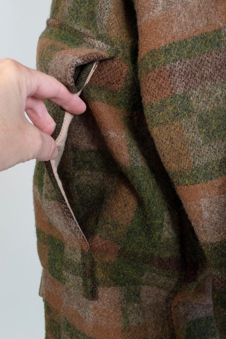 Men's LL Bean Reversible Plaid Field Jacket, 1980s For Sale 11
