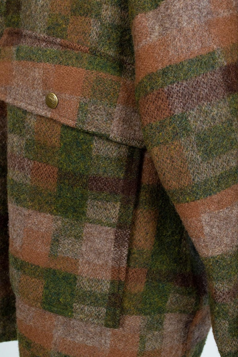 Men's LL Bean Reversible Plaid Field Jacket, 1980s For Sale 8