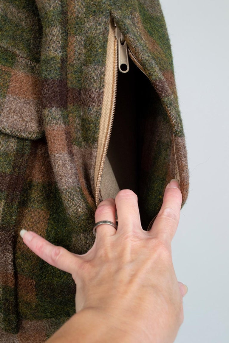Men's LL Bean Reversible Plaid Field Jacket, 1980s For Sale 12